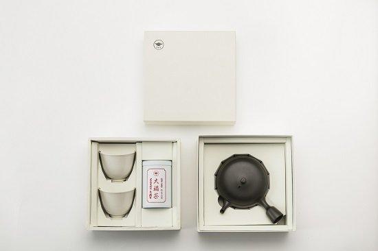 【大福茶】80g缶・すすむ急須・すすむ湯呑み2個 御重箱詰め合わせ
