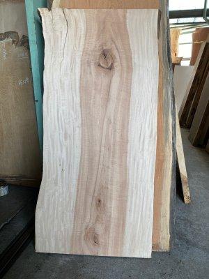 栃(トチ)杢のきれいな一枚板!テーブル用の天板材