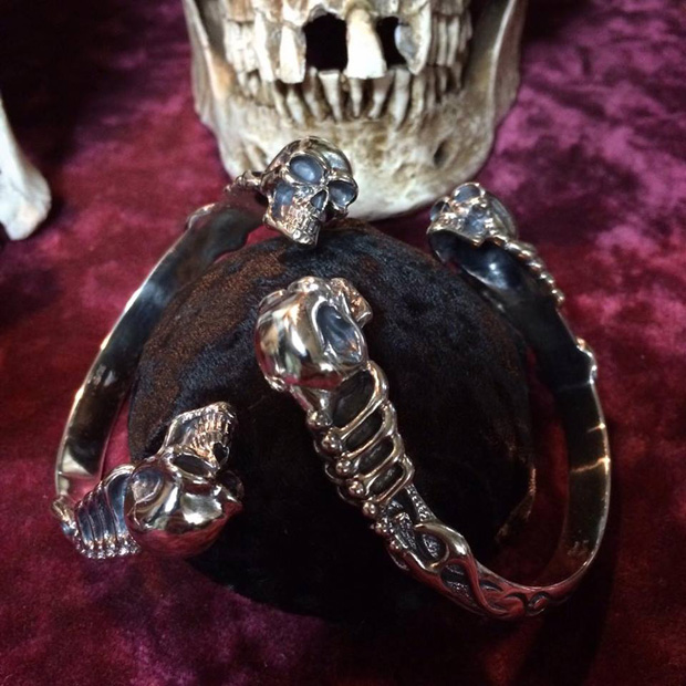 Atelier Shima Large Two Skull Bangle Mondo