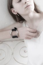 unclod - CIRCLE LEATHER BANGLE (BLACK)「アンクロッド」[バングル]
