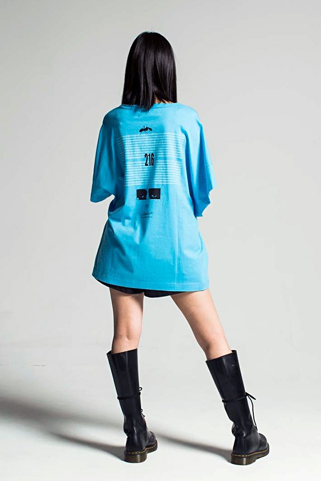 MUZE - EUCLID TEE (LIGHT BLUE)「ミューズ」[Tシャツ]