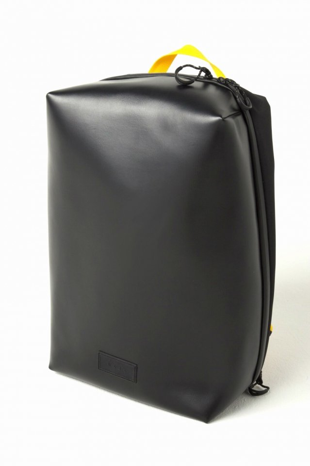 MUZE × beruf baggage - PVC BACK PACK (BLACK×YELLOW)「ミューズ」[バッグ]