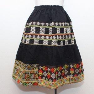 ヤオ族刺繍ミディアムスカート【A】