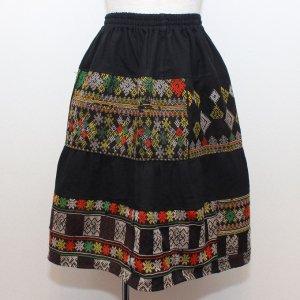 ヤオ族刺繍ミディアムスカート【E】