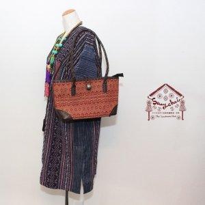 ナガ族刺繍本革ショルダーバッグ(ブラウン)
