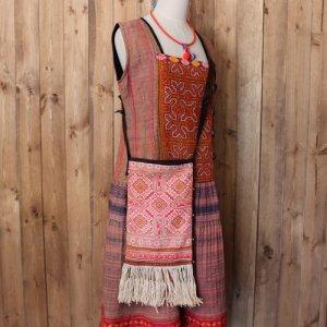 モン族刺繍フリンジ付き斜め掛けバッグ