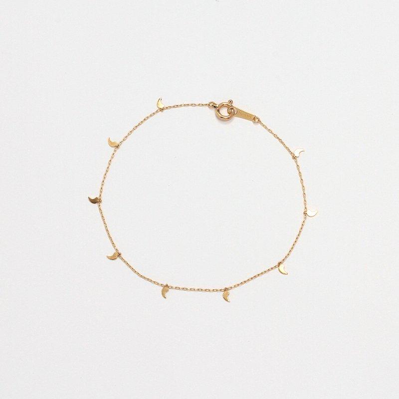 Magatama Bracelet K18