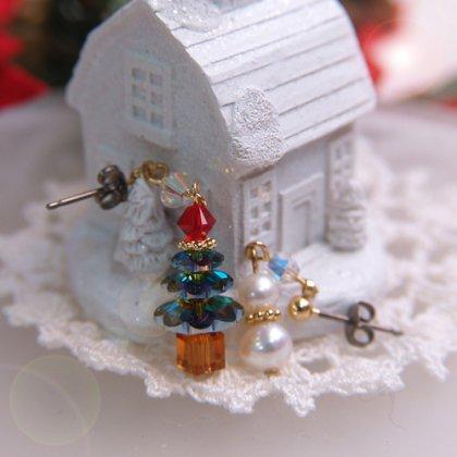 クリスマスツリー&雪ダルマ スワロフスキー ピアス