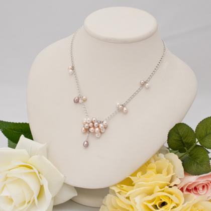 もこもこかわいい淡水真珠のネックレス