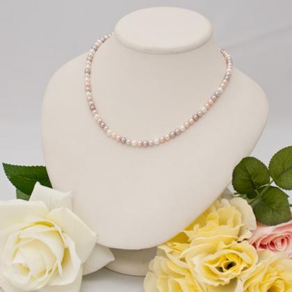 マルチカラー淡水真珠のネックレス