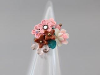 ミサキカナ アンティークなお花のリング