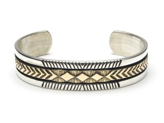 BRUCE MORGAN ブルースモーガン 1/2inch 14K STAMP BANGLE-LINE DIA ARROW