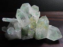 エメラルドグリーンファントムクォーツ|マダガスカル産原石クラスター|85.3g No.7