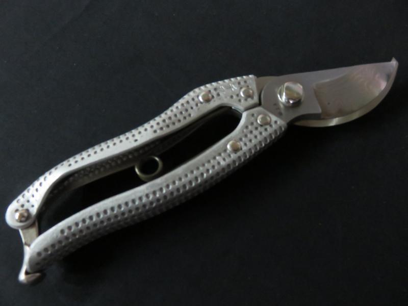 千秋 軽量アルミ ぶつぶつグリップ 剪定鋏 200mm 積層鋼