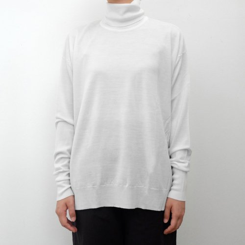 JOHN SMEDLEY /  REMY SWEATER RC LS SPLIT HEM【REMY】<img class='new_mark_img2' src='https://img.shop-pro.jp/img/new/icons6.gif' style='border:none;display:inline;margin:0px;padding:0px;width:auto;' />