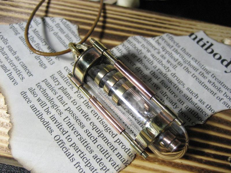 実験装置 水晶+真鍮