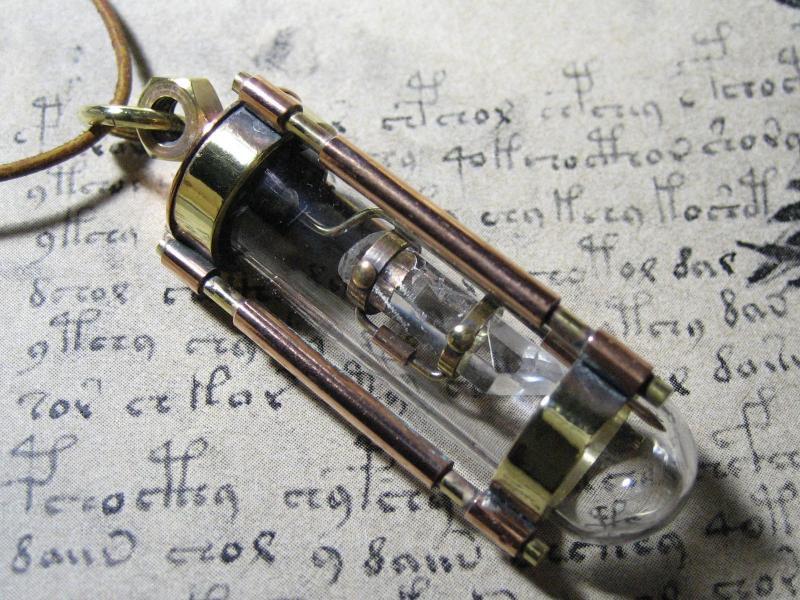 実験装置 水晶+真鍮.02
