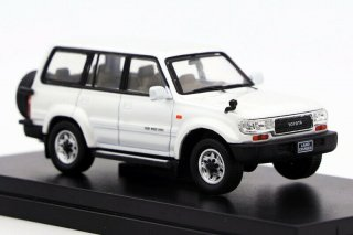 <img class='new_mark_img1' src='https://img.shop-pro.jp/img/new/icons1.gif' style='border:none;display:inline;margin:0px;padding:0px;width:auto;' />Master 1/64 Toyota Land Cruiser 80 ホワイト
