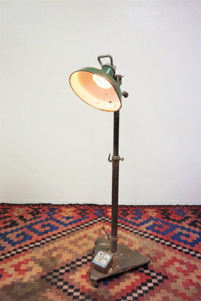 1930-40's ヴィンテージ インダストリアル フロアランプ