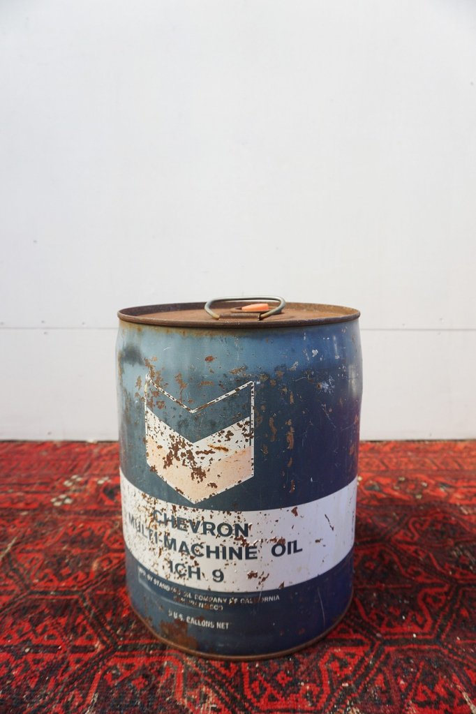 ヴィンテージ CHEVRON オイル缶