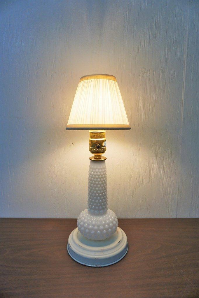 ヴィンテージ ホワイトガラス テーブルランプ