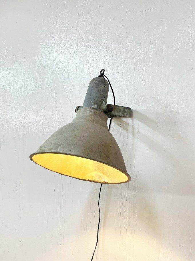 1940-50's ヴィンテージ インダストリアル ブラケットランプ