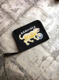 """KAMIKAZE""CLUTCH BAG(BLACK)"