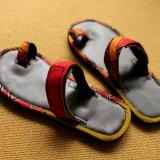 ハンドメイド サンダル【赤】アフリカ布 〈ベルト調整タイプ〉