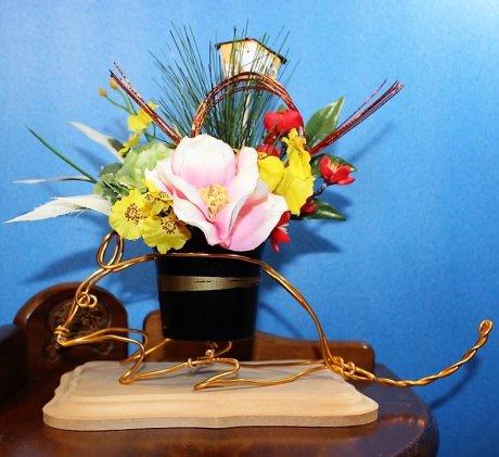 迎春-061 椿と葉牡丹