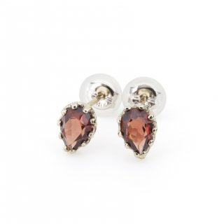 studded  Pierce Garnet / 1611-004