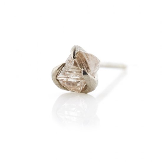 rough diamond studded pierce/1903-009