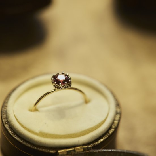 float ring Garnet / 2002-002