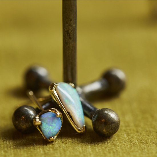 Boulder opal studded pierce/2008-013