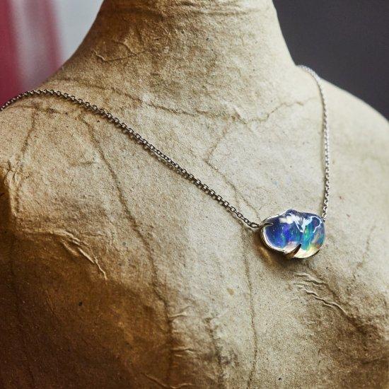 Deformed Opal necklace / 2102-015