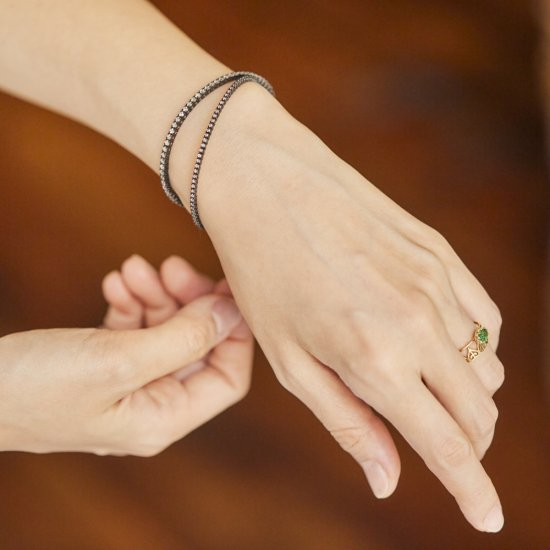 Single cut diamond in Black Bangle/1509-011