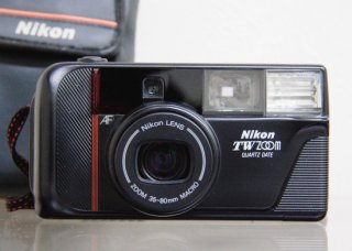 <img class='new_mark_img1' src='https://img.shop-pro.jp/img/new/icons29.gif' style='border:none;display:inline;margin:0px;padding:0px;width:auto;' />Nikon TW ZOOM QUARTZ DATE / Nikon LENS ZOOM 35-80mm MACRO