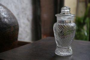 捻じり紋様の飴瓶