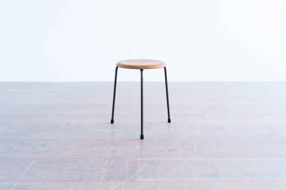 Arne Jacobsen model.3170 ドットスツール ビーチ