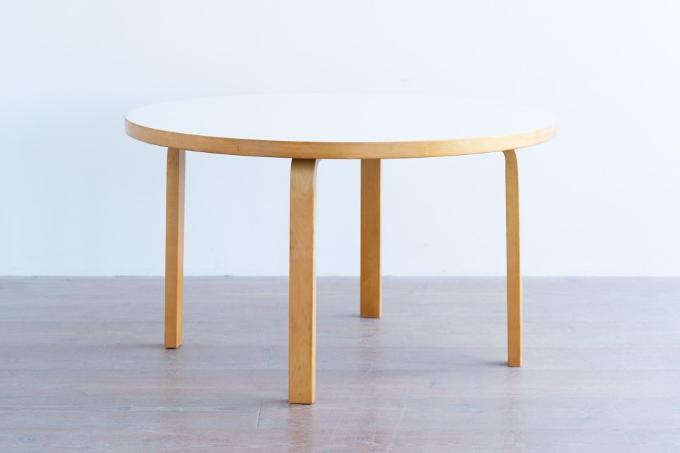 Alvar Aalto 91 ラウンドテーブル ラミネートホワイト