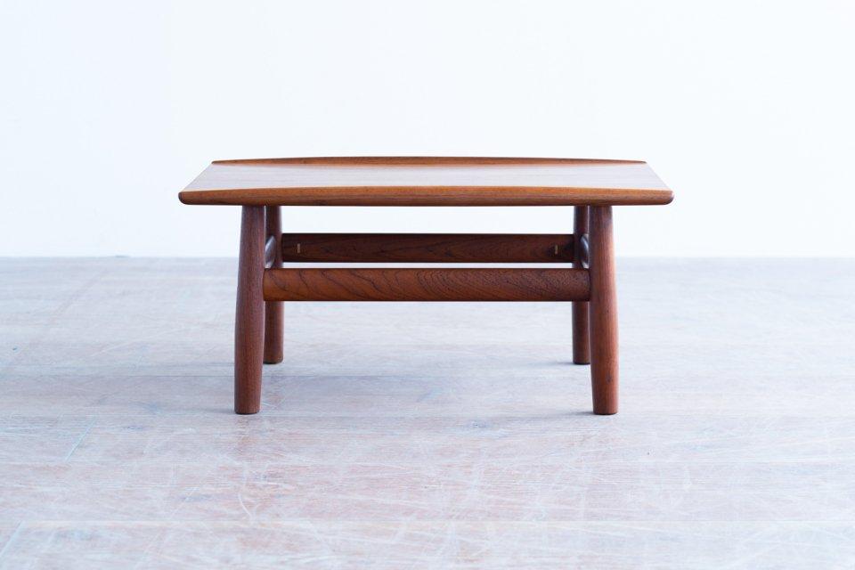 Grete Jalk サイドテーブル チーク