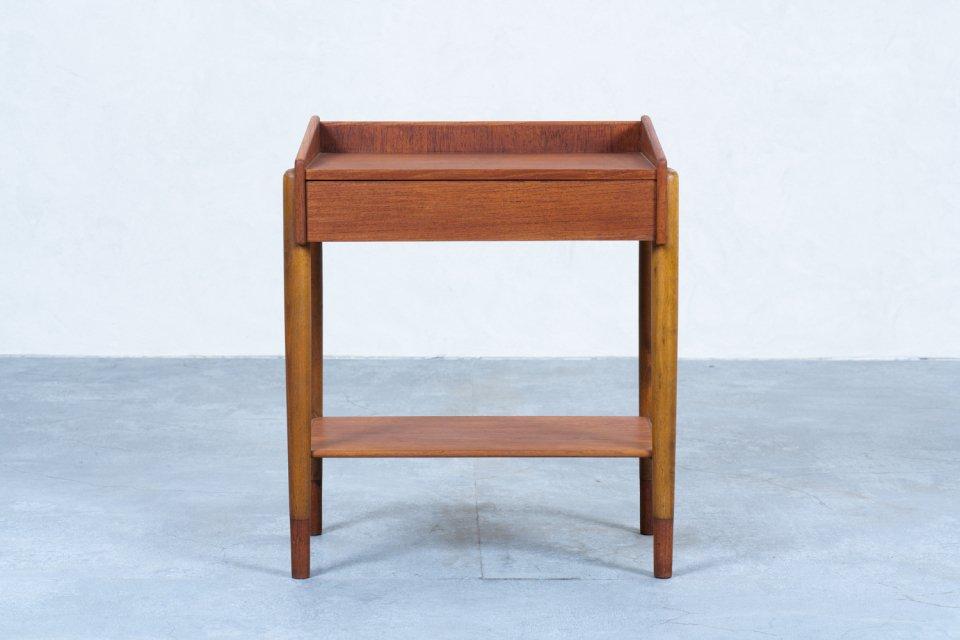 Borge Mogensen model.148 ナイトテーブル チーク オーク