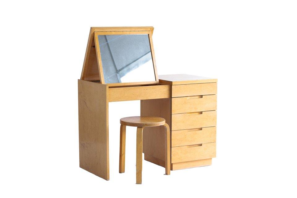 Dresser & Stool 60