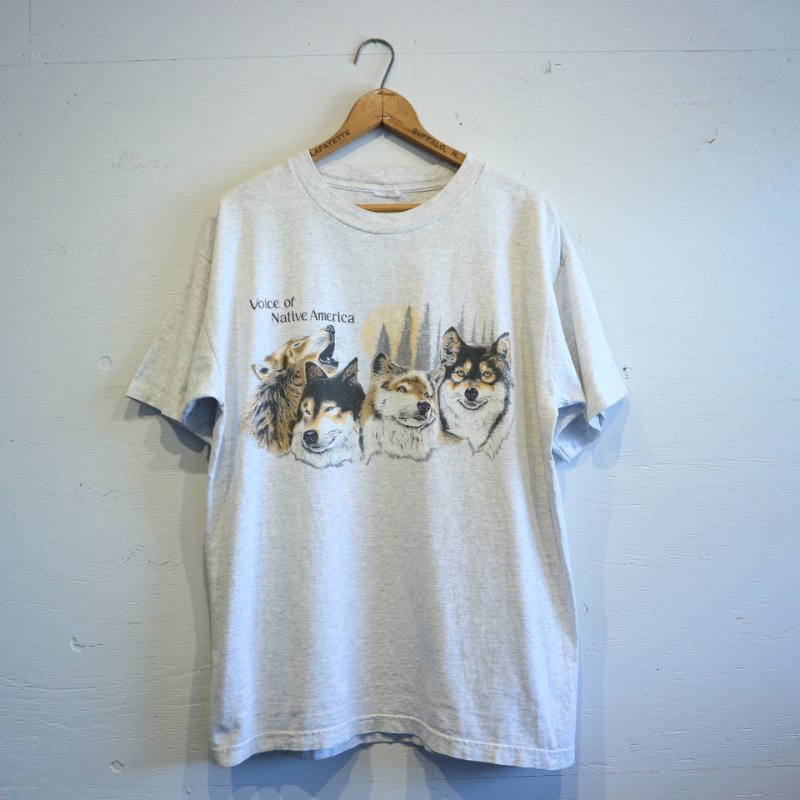 about 80-90's Native American Indian Dog T-shirt