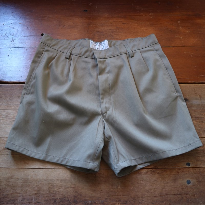 <img class='new_mark_img1' src='https://img.shop-pro.jp/img/new/icons1.gif' style='border:none;display:inline;margin:0px;padding:0px;width:auto;' />80's Italian Military 2-tuck shorts イタリア軍 ショーツ w34