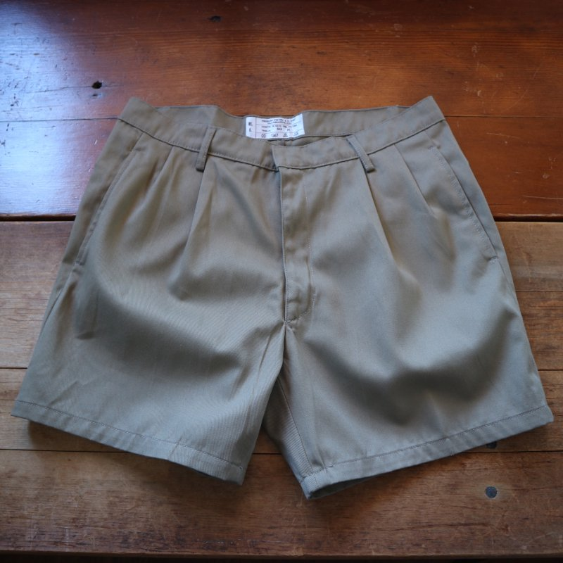 <img class='new_mark_img1' src='https://img.shop-pro.jp/img/new/icons1.gif' style='border:none;display:inline;margin:0px;padding:0px;width:auto;' />80's Italian Military 2-tuck shorts イタリア軍 ショーツ w32-33