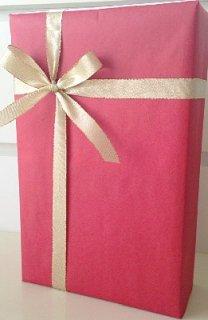 2本用ギフトボックス<br/>包装紙レッド&金色リボン