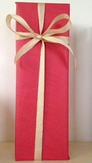 1本用ギフトボックス<br/>包装紙レッド&金色リボン