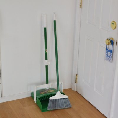 LIBMAN Broom & Dustpan Set