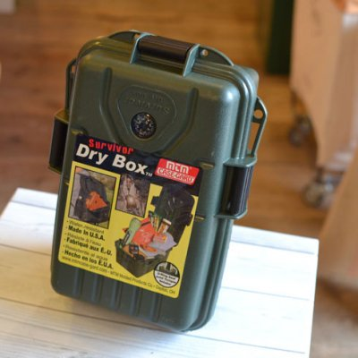PLASTIC SURVIVOR DRY BOX