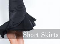 ショートスカート